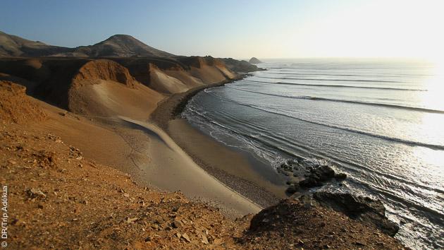 Tout compris, vague et paysage, pour ce séjour SUP au Pérou