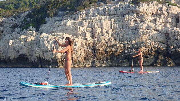 Naviguez en SUP sur les meilleurs spots d'Ibiza en mer des Baléares