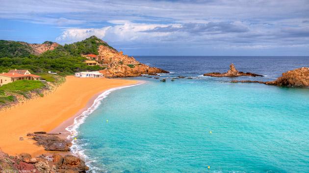 Admirez plus belles plages des Baléares pendant votre séjour SUP