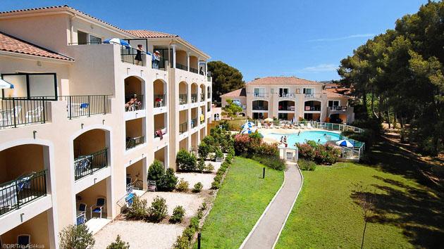 Votre résidence avec services et piscine à Six Fours pendant votre séjour SUP