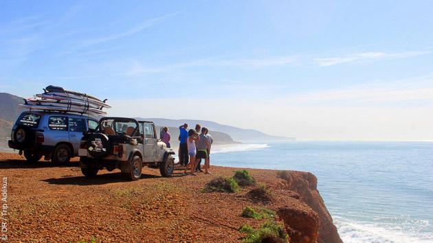 Nous vous emmenons sur les spots autour d'Agadir pour profiter des vagues en Sup surf