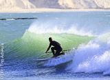 Naviguez en SUP sur les vagues de la région d'Agadir au Maroc - voyages adékua