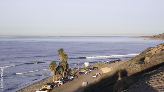 Des vagues idéales pour les débutants et les confirmés pour progresser en SUP surf à San Clemente