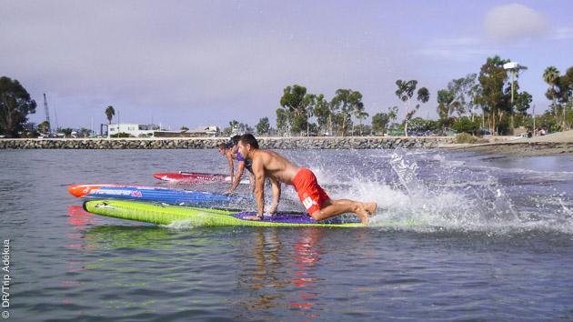 Matériel et ambiance californienne compris pour ce séjour stand up paddle à San Clemente