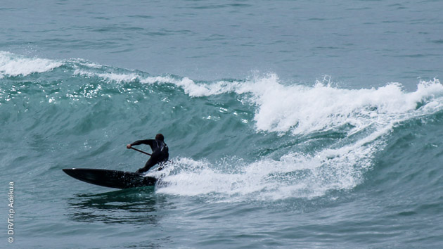 Un stage tip top pour pratiquer le SUP dans les vagues du Maroc