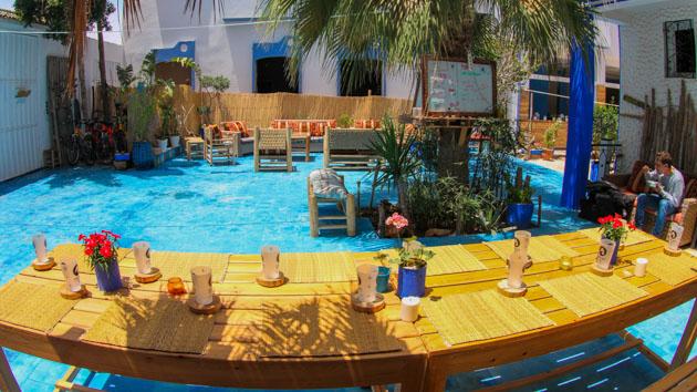 Venez naviguer les vagues du Maroc et profiter d'un surfcamp tout confort