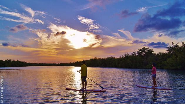 balade en paddle au Brésil avec coucher de soleil grande classe